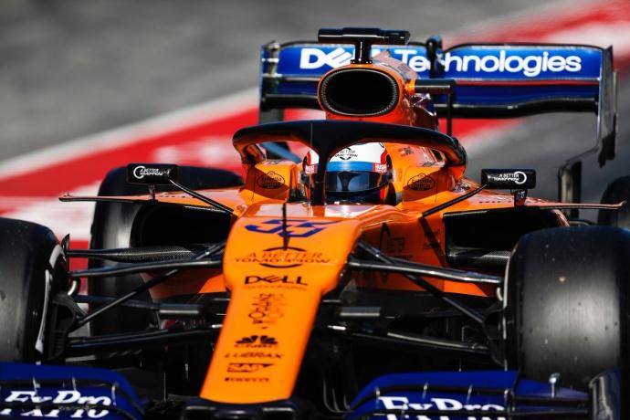 Crónica vespertina test - Día 6: Sainz acaba con el mejor tiempo mientras que Ferrari no puede volver a rodar