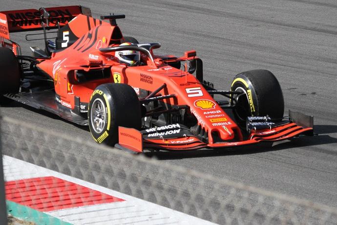Test-en-Barcelona-Dia-1-Ferrari-impecable
