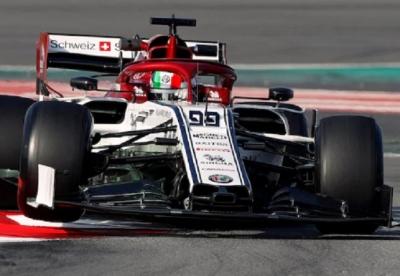 Alfa Romeo creía que toda la parrilla llegaría con el mismo diseño de alerón que ellos
