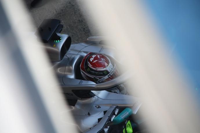 """Hamilton: """"Ferrari empezó a trabaja en el coche de 2019 un mes antes que nosotros"""""""