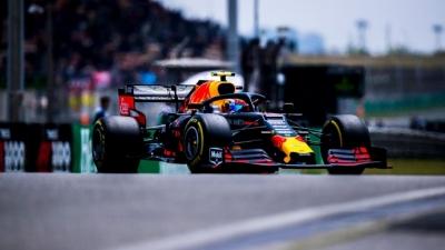 Domingo en China - Red Bull: Verstappen se cuela entre los Ferrari y Gasly marca la vuelta rápida