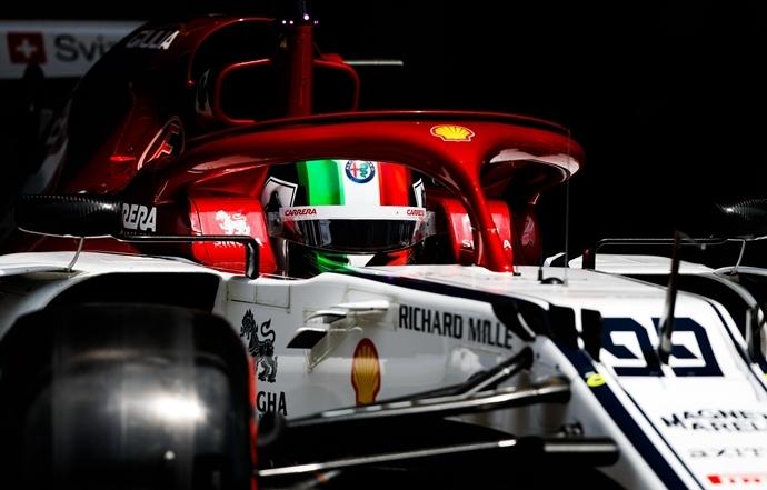 Domingo en China - Alfa Romeo: Un gran Kimi consigue ser 9º, Giovinazzi sube hasta el 15º