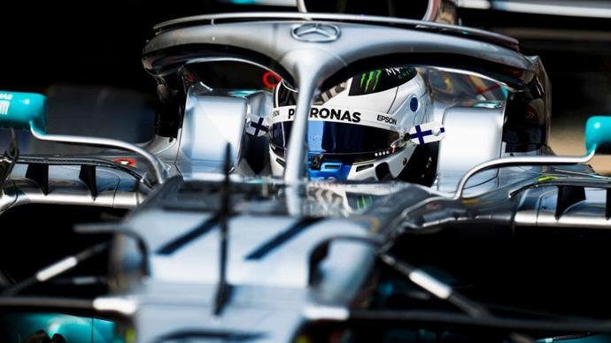 Libres en China: Bottas y Vettel ponen la salsa con McLaren 'Top 10'