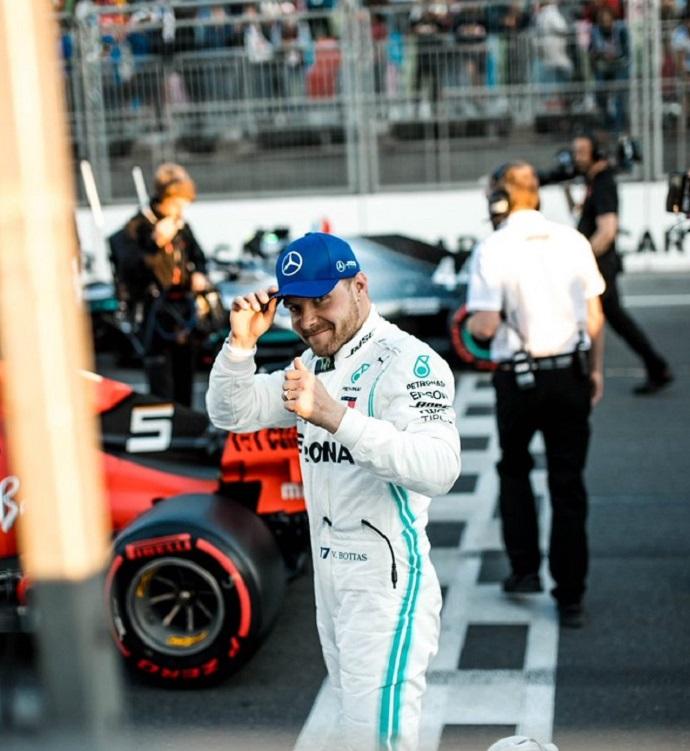Sábado en Azerbaiyán - Mercedes: Bottas encadena su segunda pole del año