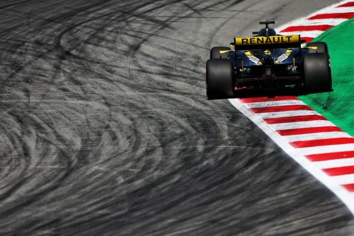 Sábado en España - Renault: Ricciardo salva los muebles tras el error de Hülkenberg