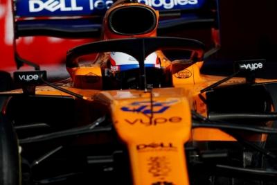 """Sainz ya mira más arriba: """"Nos comparamos con coches 1 segundo más rápido que nosotros"""""""
