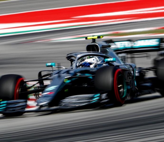Crónica: Récord de pista y pole insultante del Bottas 2.0 en España