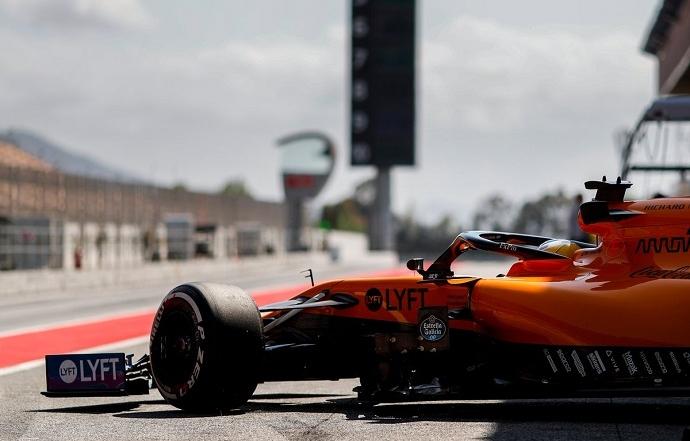 McLaren sigue su desarrollo en los test de Barcelona