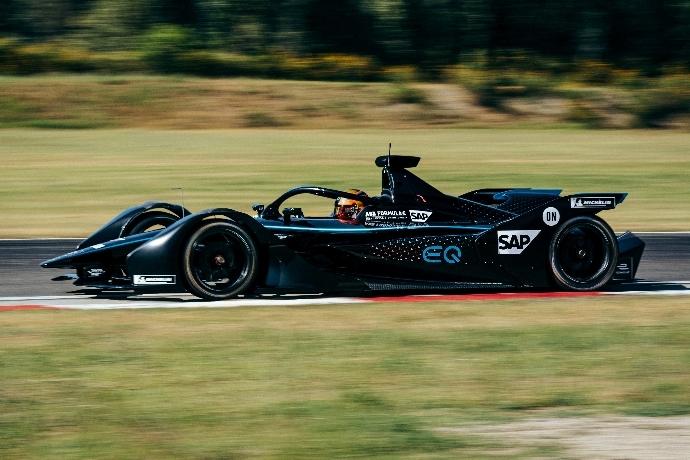 Mercedes prepara su entrada a la Fórmula E