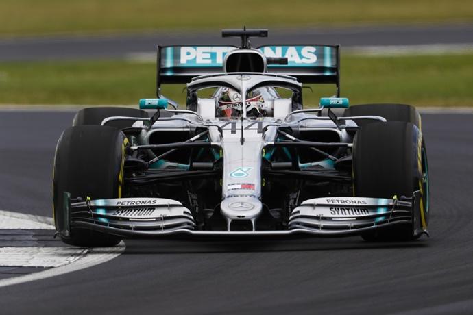 Viernes en Gran Bretaña - Mercedes: Ritmo y velocidad, un viernes más en casa