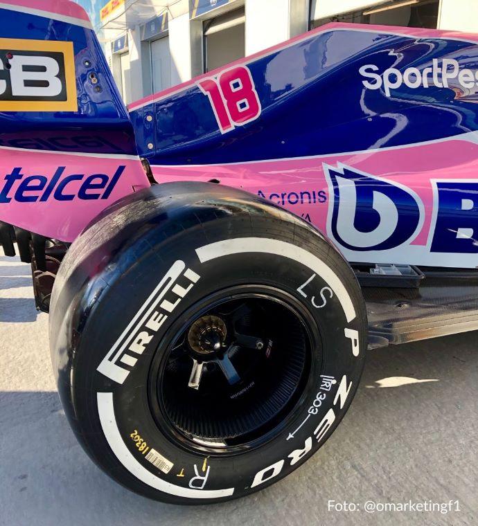 Racing Point pone alfombra rosa en el patio de casa para recibir a la F1