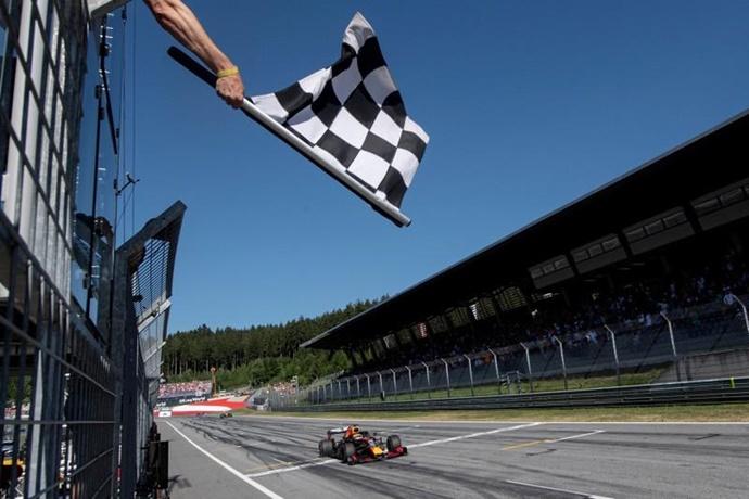 Honda llegó tarde al podio tras su victoria