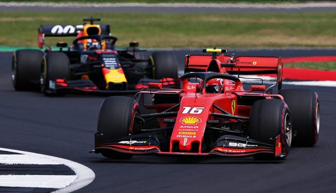 """Leclerc, sobre Verstappen: """"Espero que tengamos la oportunidad de luchar por el título muy pronto"""""""