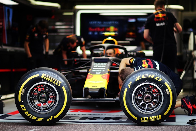 Pirelli trabaja bajo presión con los nuevos compuestos de neumáticos para 2020