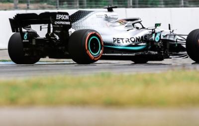 Crónica: Desastre en Ferrari, Hamilton se aprovecha