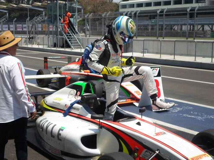 Crawford gana la carrera 2, Sulaimán se impone en la última carrera reclamando el campeonato 2018-2019 de la FIA F4 Nacam