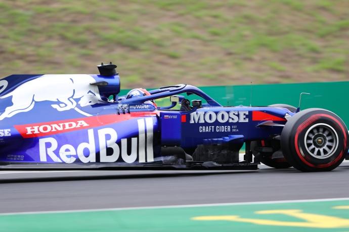 Viernes en Hungría – Toro Rosso: Albon se estrella en unos libres marcados por la lluvia