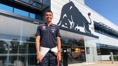 """Albon: """"Es una gran oportunidad estar en Red Bull"""""""