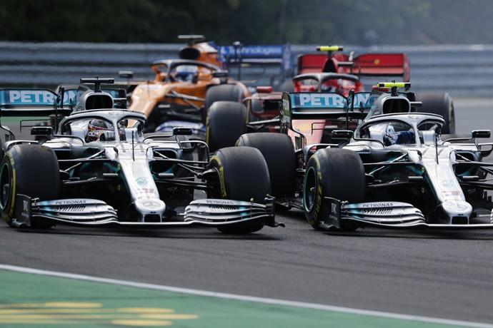 """Bottas pensará de mejor forma sus batallas con Hamilton: """"Queremos maximizar los puntos y no queremos comprometer las opciones"""""""
