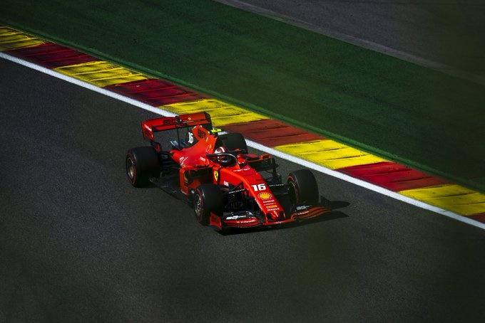 Crónica: Pole estratosférica de Leclerc, que devuelve a Ferrari su seña de identidad; Sainz cae en Q1