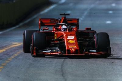La crónica GP de Singapur - Ferrari hace historia en Marina Bay y se lleva el 1-2