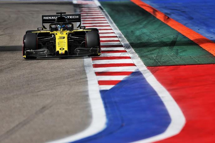 Sábado en Rusia- Renault: Top ten para ambos
