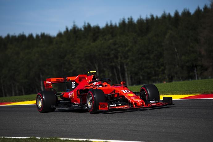 Red Bull afirma que no sospechan del motor de Ferrari, pero Mercedes y Renault sí
