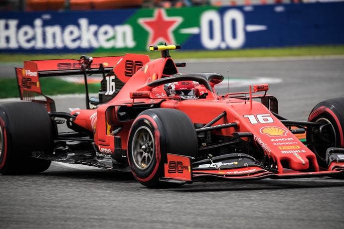 Sábado en Italia – Ferrari en la pole tras una polémica sesión de clasificación