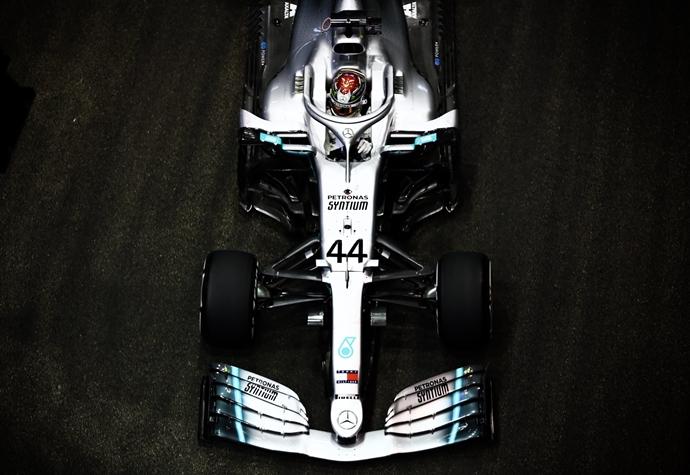 Viernes en Singapur – Mercedes: Hamilton lidera la FP2, Bottas tiene un día complicado