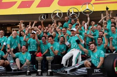 Domingo en Japón – Mercedes: Seis años haciendo historia