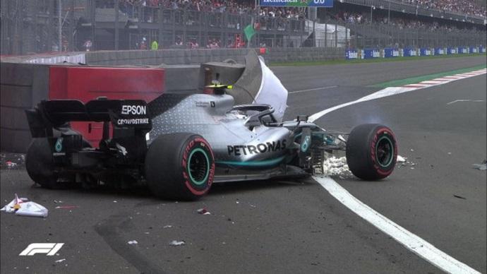 Sábado en México - Mercedes: Hamilton cede y Bottas se estampa