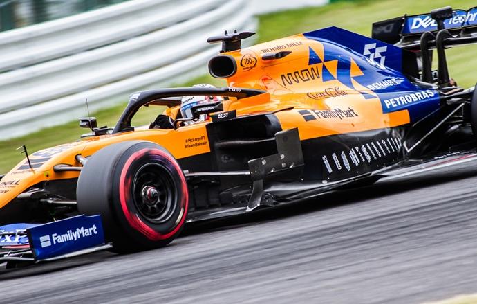 Viernes en Japón- McLaren: Un viernes singular