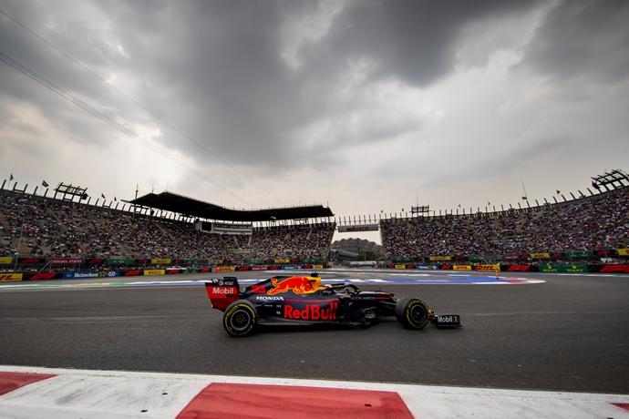 Viernes en México - Red Bull: Día muy sólido, aunque con un desliz