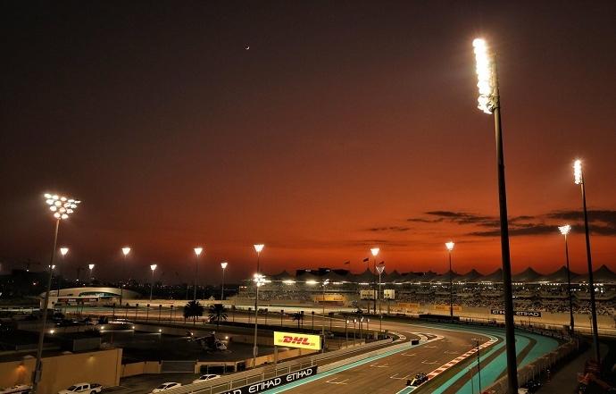 Sábado en Abu Dabi - Renault: Buena qualy con dos coches en Q3