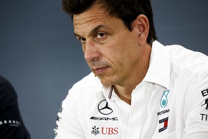 Wolff calcula el déficit de potencia con Ferrari, pero confía en equilibrar la lucha