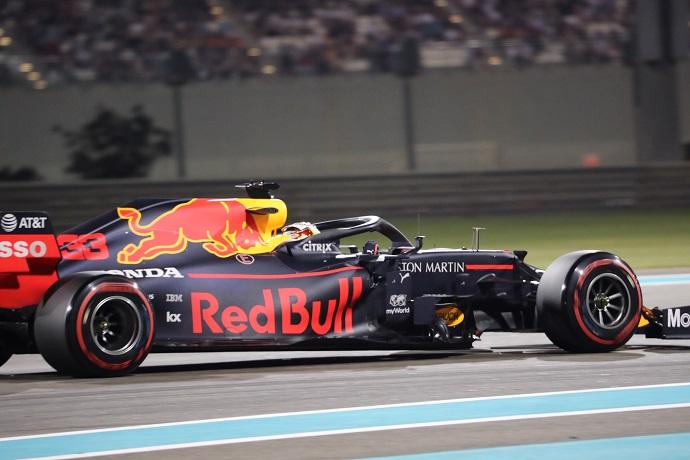 Honda reconoce su fallo en el coche de Verstappen durante el GP de Abu Dhabi