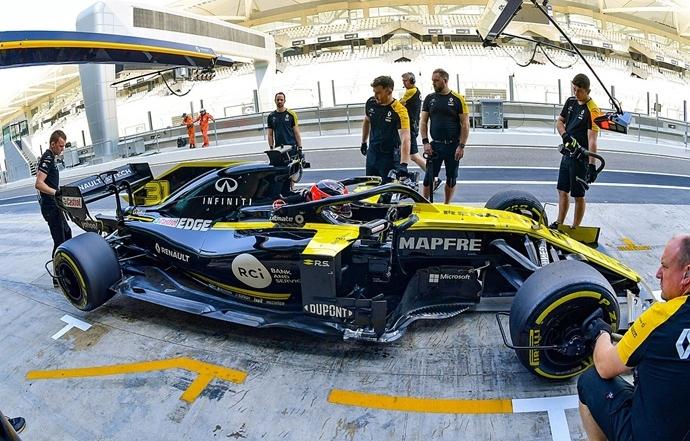 Esteban Ocon ya hizo sus primeros tests con Renault en Abu Dabi