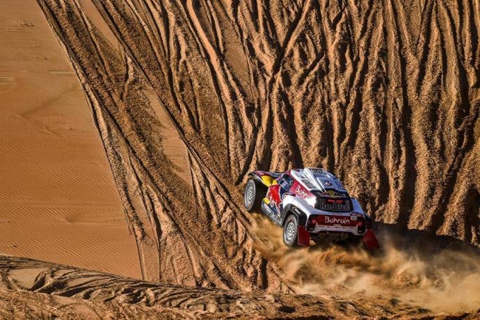 Dakar 2020 Etapa 11: Peterhansel y Al-Attiyah no tiran la toalla