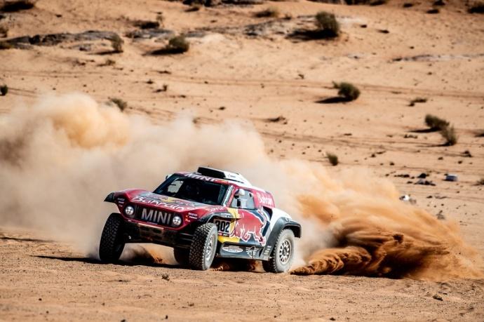 Dakar 2020 Etapa 4: Peterhansel vuelve a la senda del triunfo y Sainz aguanta el liderato