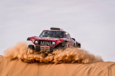 Dakar 2020 Etapa 6: Peterhansel consigue imponerse a un Sainz espectacular