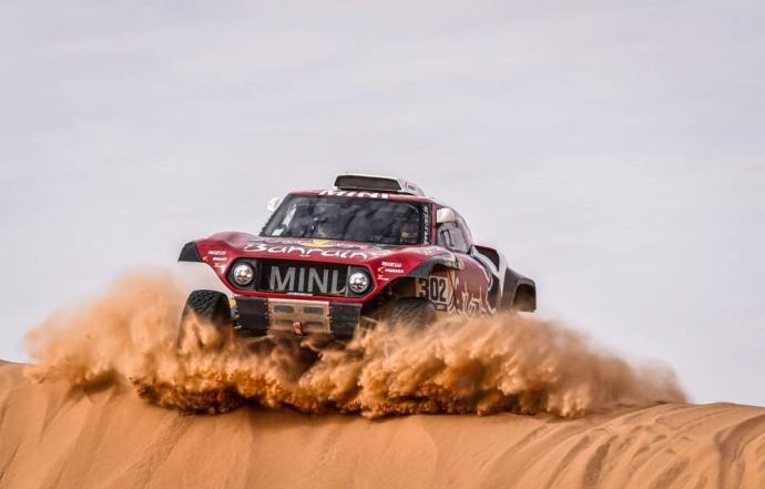 Dakar 2020 Etapa 6: Peterhansel consigue imponerse a un Sainz espectacular