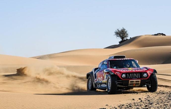 Dakar 2020 Etapa 9: Peterhansel y Al-Attiyah se pegan a Sainz