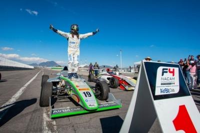 Noel Leon, ganador absoluto del GP de Puebla de la FIA F4 NACAM en México