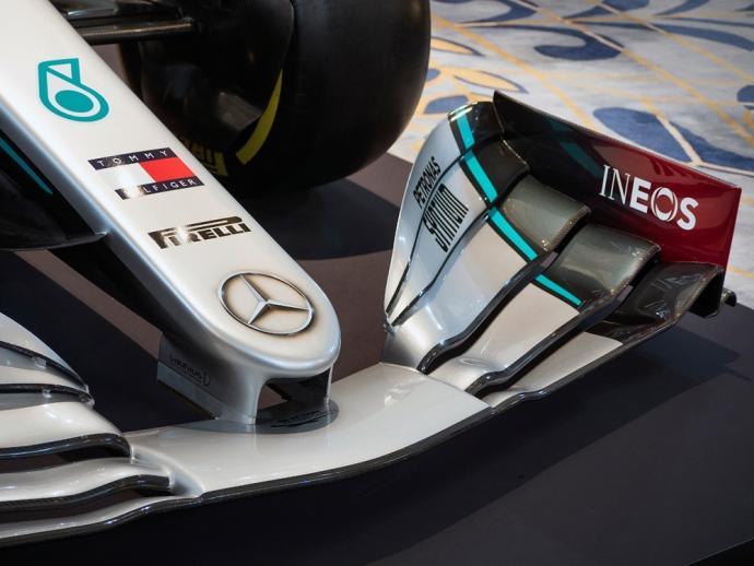Mercedes presenta a la petroquímica INEOS como su nuevo patrocinador