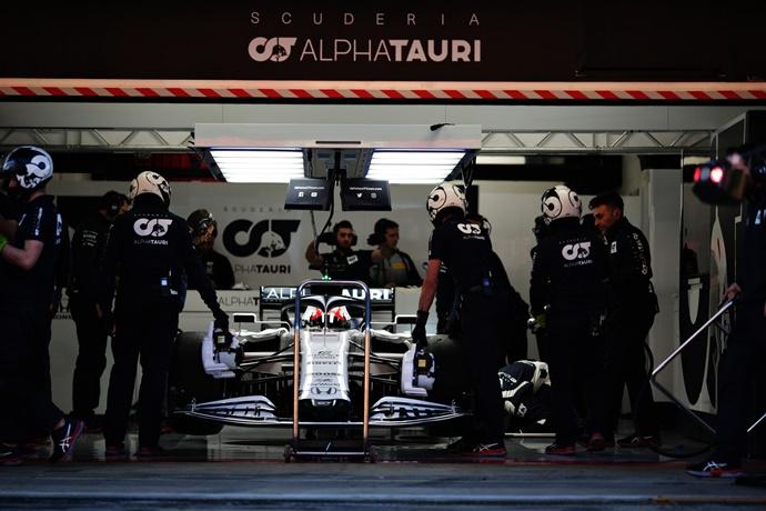 Test F1 2020: Día 2 - AlphaTauri con ritmo constante, pero invisibilizado por la polémica de Mercedes