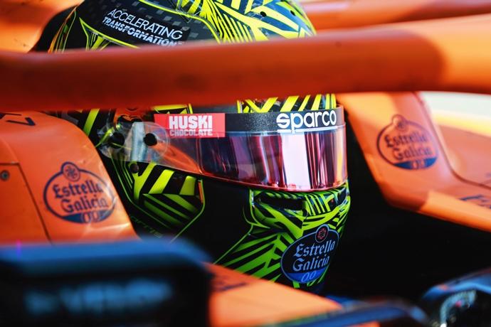 A Norris le convence la idea de correr en dirección contraria en Silverstone
