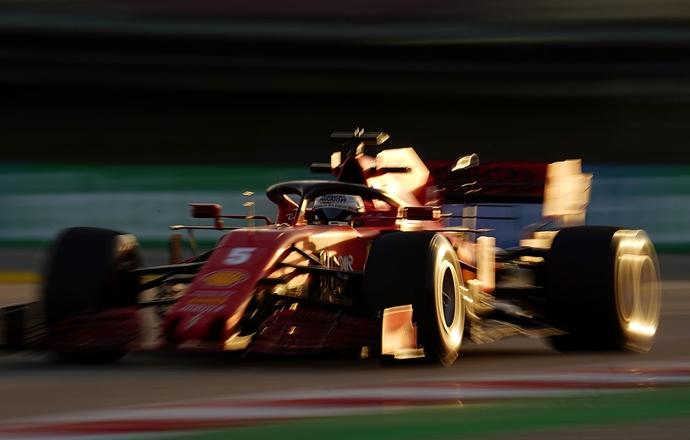 Incertidumbre sobre la renovación de Vettel con Ferrari