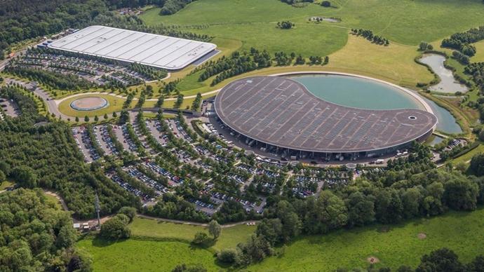 La F1 extiende el cierre de las fábricas durante dos semanas más