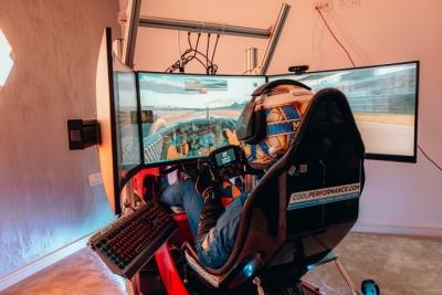 Norris reconoce que se pone más nervioso en carreras virtuales que en la vida real
