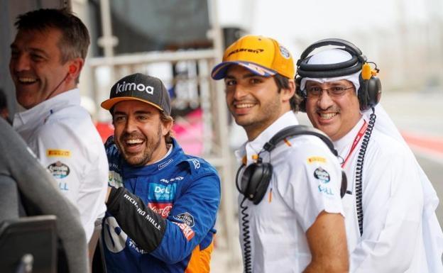 """Fernando Alonso: """"¡Carlos lo está haciendo genial!"""""""